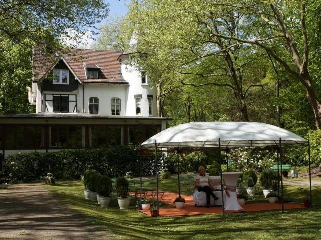 Catering, Family restaurant, Banquet room, Biergarten, Restaurant ...